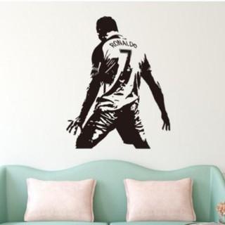 Decal trang trí dán tường hình Cr7 Ronaldo ăn mừng bàn thắng