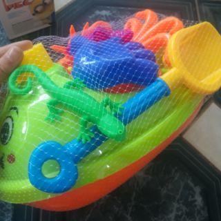 Ca nô đi biển