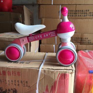 Xe đồ chơi cute hót hót