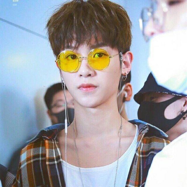 Dây đeo kính hot trend 2019