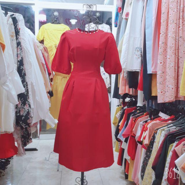 Váy đỏ tay phồng