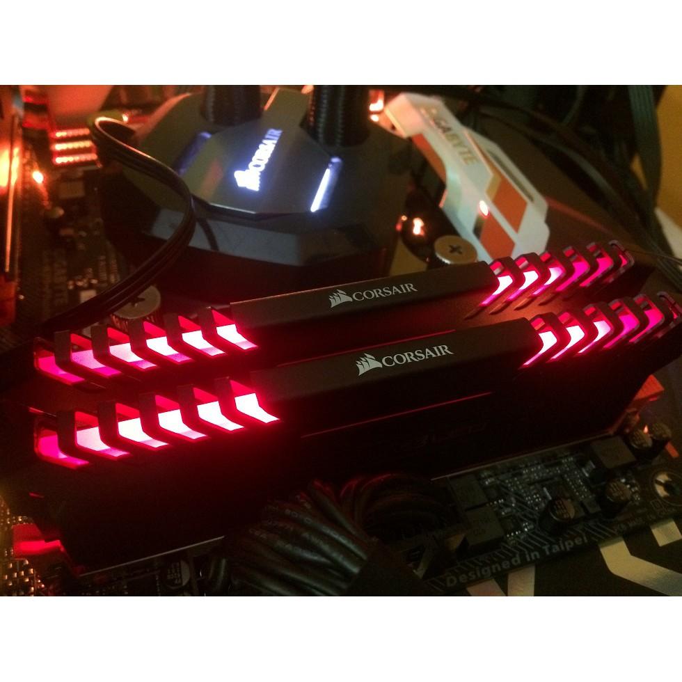 RAM CORSAIR VENGEANCE RED LED 16GB (2 X 8GB) DDR4 BUS 3000