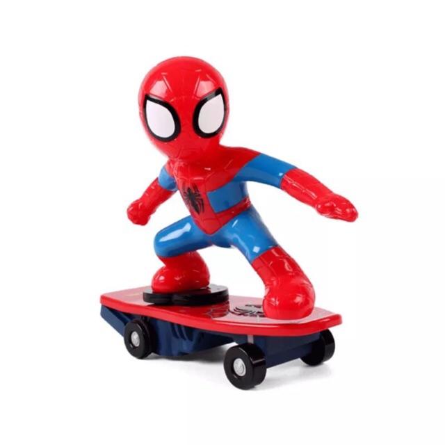 Siêu nhân người nhện trượt ván
