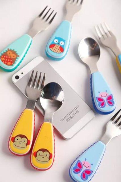 Thìa nĩa cho bé có hộp