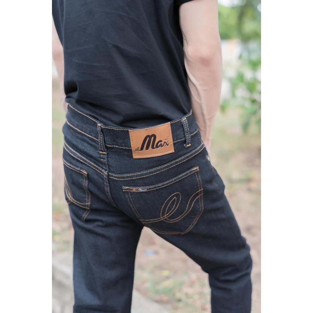 MTE กางเกง ยีนส์ ขากระบอกเล็กสีดำมิดไนท์ เป้ากระดุม  รุ่น M204 สินค้าพร้อมส่งTE กางเกง ยีนส์ ขากระบอกเล็กสีดำมิดไนท์ เป้