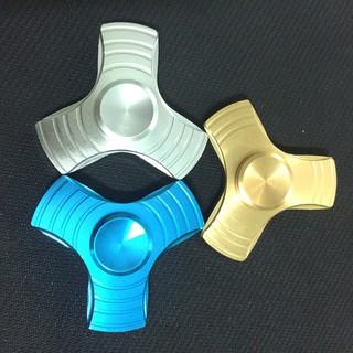 Đồ Chơi Con Quay Giúp Xả Stress Fidget Spinner 3 Cánh Kim Loại