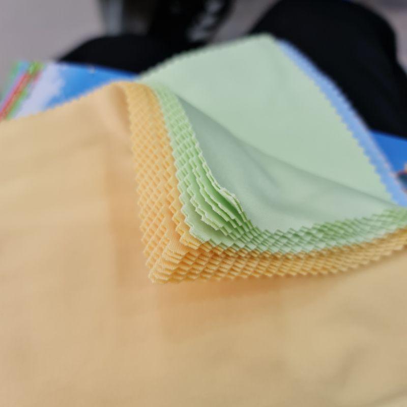 [Mã SKAMCLU8 giảm 10% cho đơn từ 100K] khăn lau kính