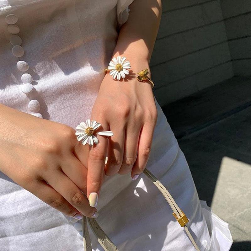 Nhẫn / Khuyên tai / Vòng tay / Dây chuyền bằng hợp kim nhôm đính hoa cúc xinh xắn