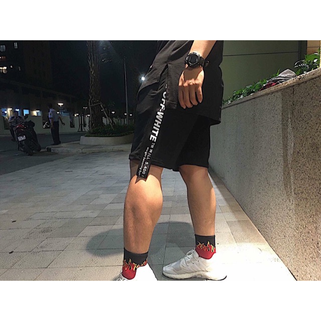 Short Off White phối dây