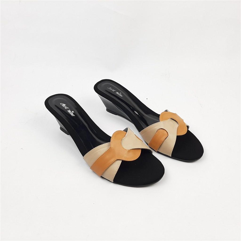 Giày Sandal Kiểu Dáng Trẻ Trung Năng Động Dành Cho Nữ 610 36-40