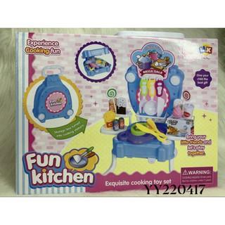 Bô đồ chơi vali kiêm bàn bếp