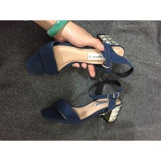 Sandal đá