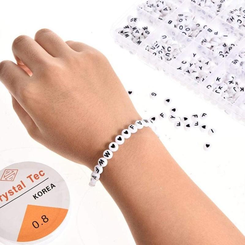 Set 1200 hạt nhựa in chữ cái đa dạng làm đồ trang sức thủ công