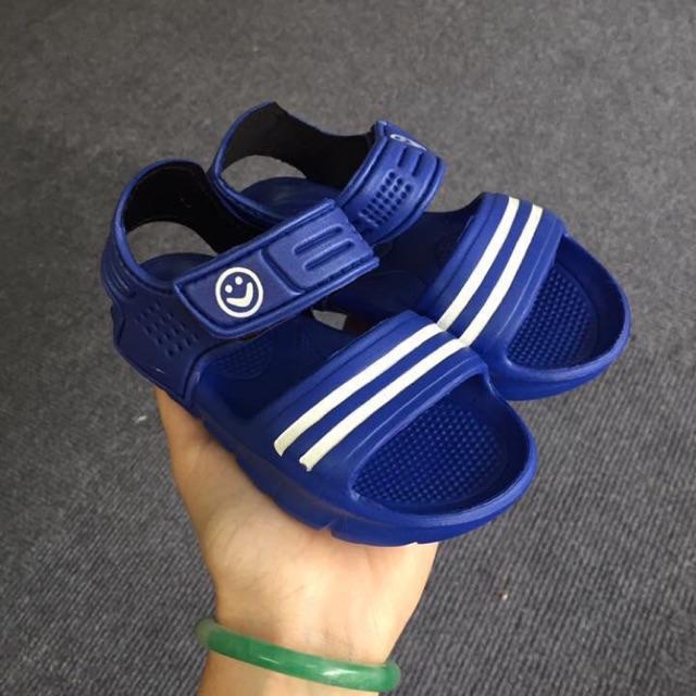 Sandal size 26