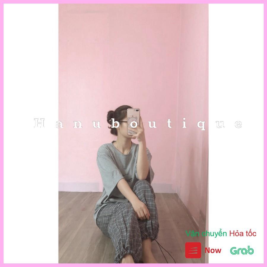 Bộ quần áo nữ dáng rộng unisex họa tiết chữ PARA trẻ trung cá tính / Áo phông cộc tay dáng suông phối quần kẻ ống rộng