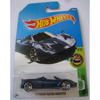 Xe mô hình Hot Wheels '17 Pagani Huayra Roadster DTW86