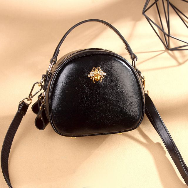 Túi xách thời trang nữ đính con ong da cao cấp hàng Quảng Châu (đen)