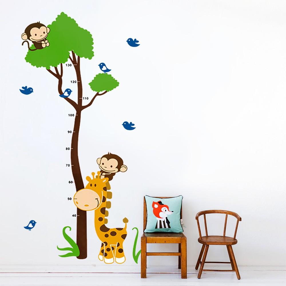 DECAL dán tường đo chiều cao khỉ có cây xanh (1)