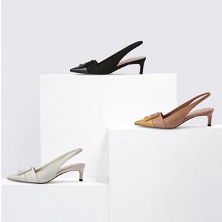 Giày cao gót mũi gắn hoạ tiến tròn vuông