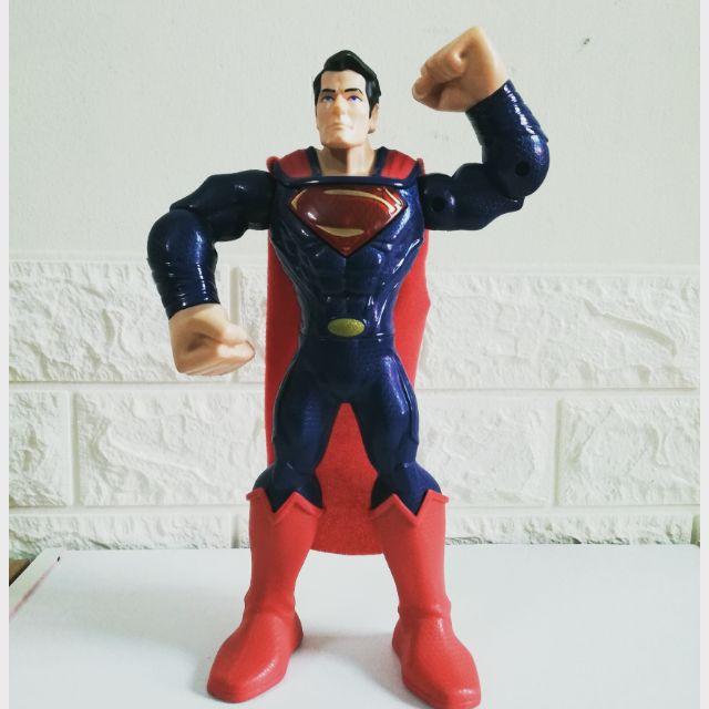Mô hình spderman có pin của Mattel