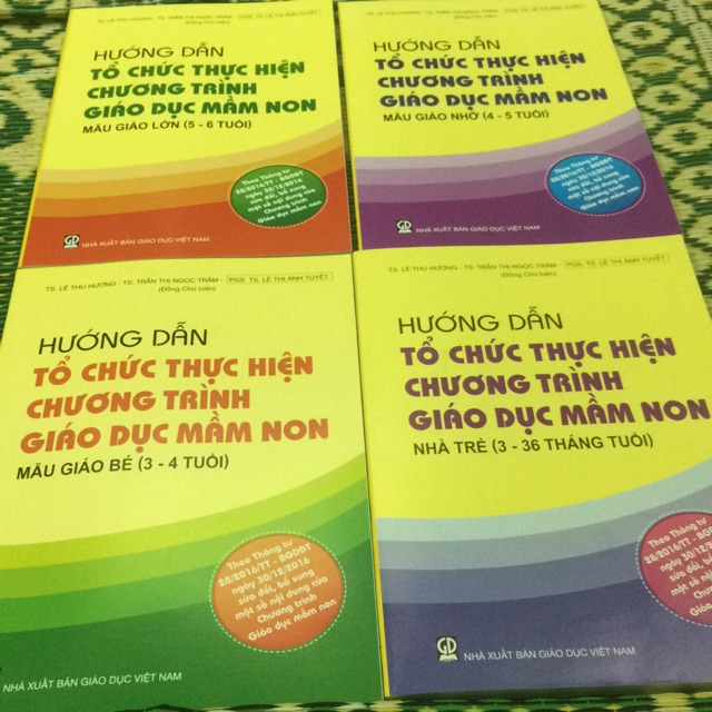 Sách - Combo 4 cuốn sách Hướng dẫn tổ chức thực hiện chương trình giáo dục mầm non từ 36 tháng tuổi đến 6 tuổi