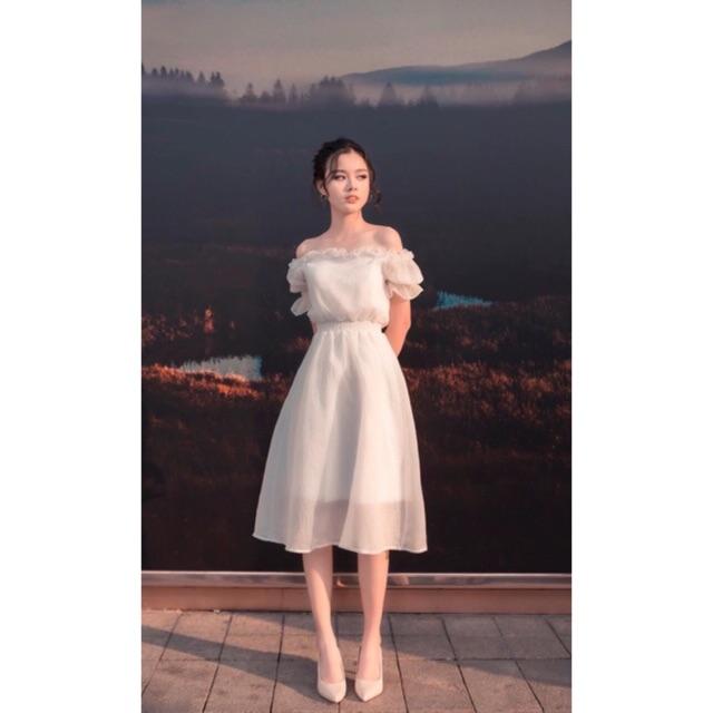 Đầm trắng trễ vai dự tiệc cưới lộng lẫy xinh lung linh