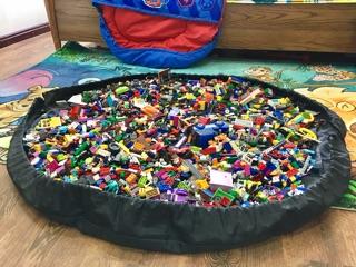 Thảm Chơi Kiêm Túi Đựng Lego – Kích Thước Siêu Lớn, Có Thể Gút Dây Lại Mang Đi – Lego Scoop Bag
