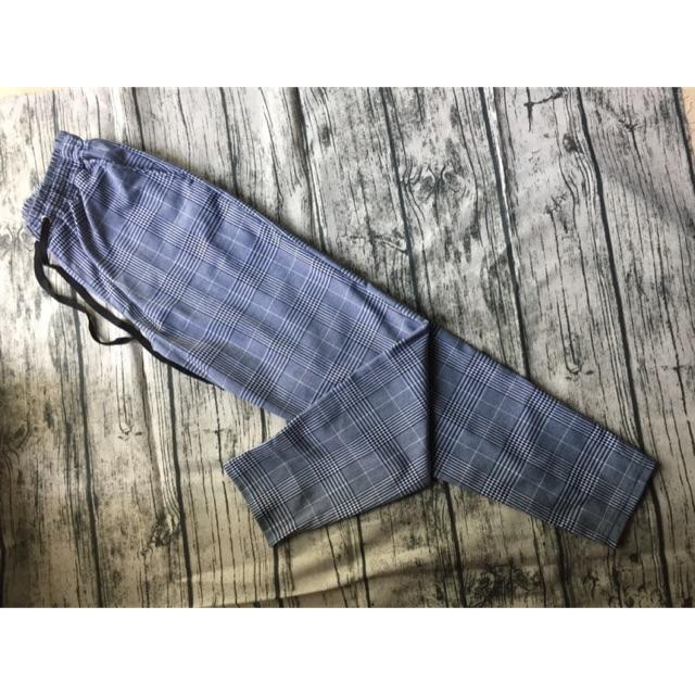 Quần Plaid Pants Xám( ảnh shop chụp)