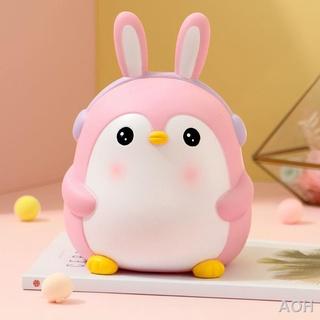 Lợn con chim cánh cụt dễ thương có thể tiết kiệm và mang đi thumbnail