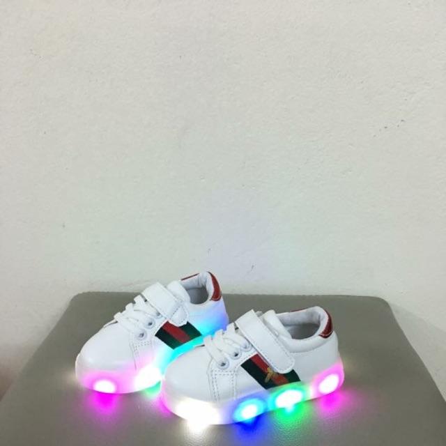 Giày bata phát đèn cho bé trai và bé gái