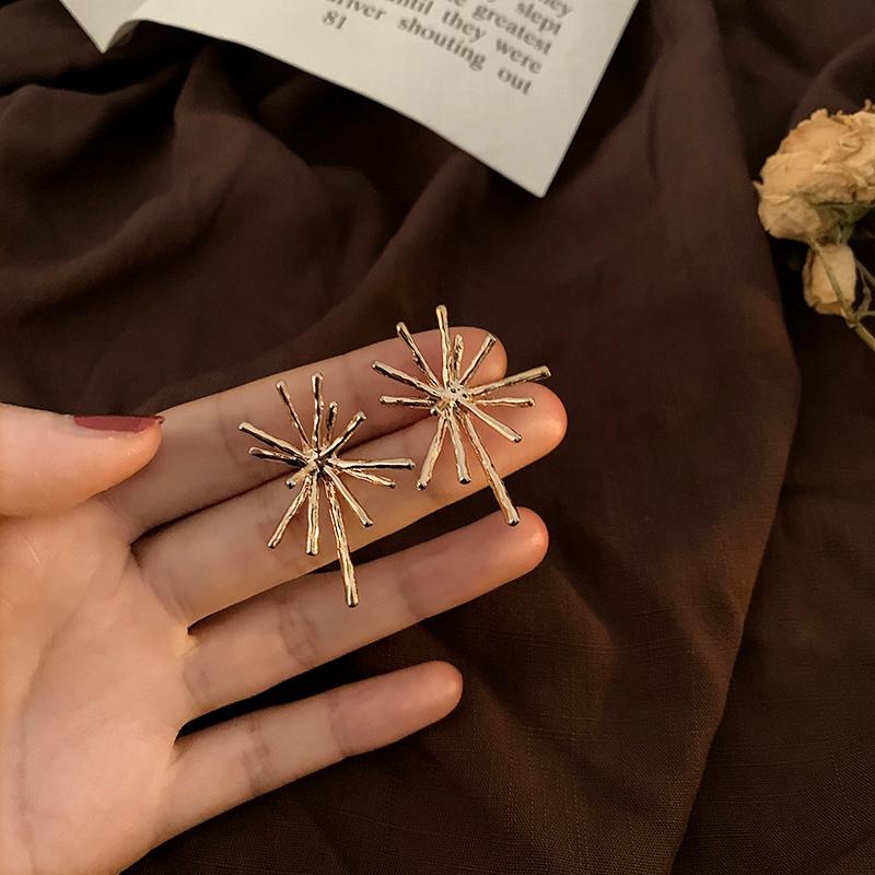 Bông tai mạ bạc và vàng thiết kế xinh xắn dành cho nữ