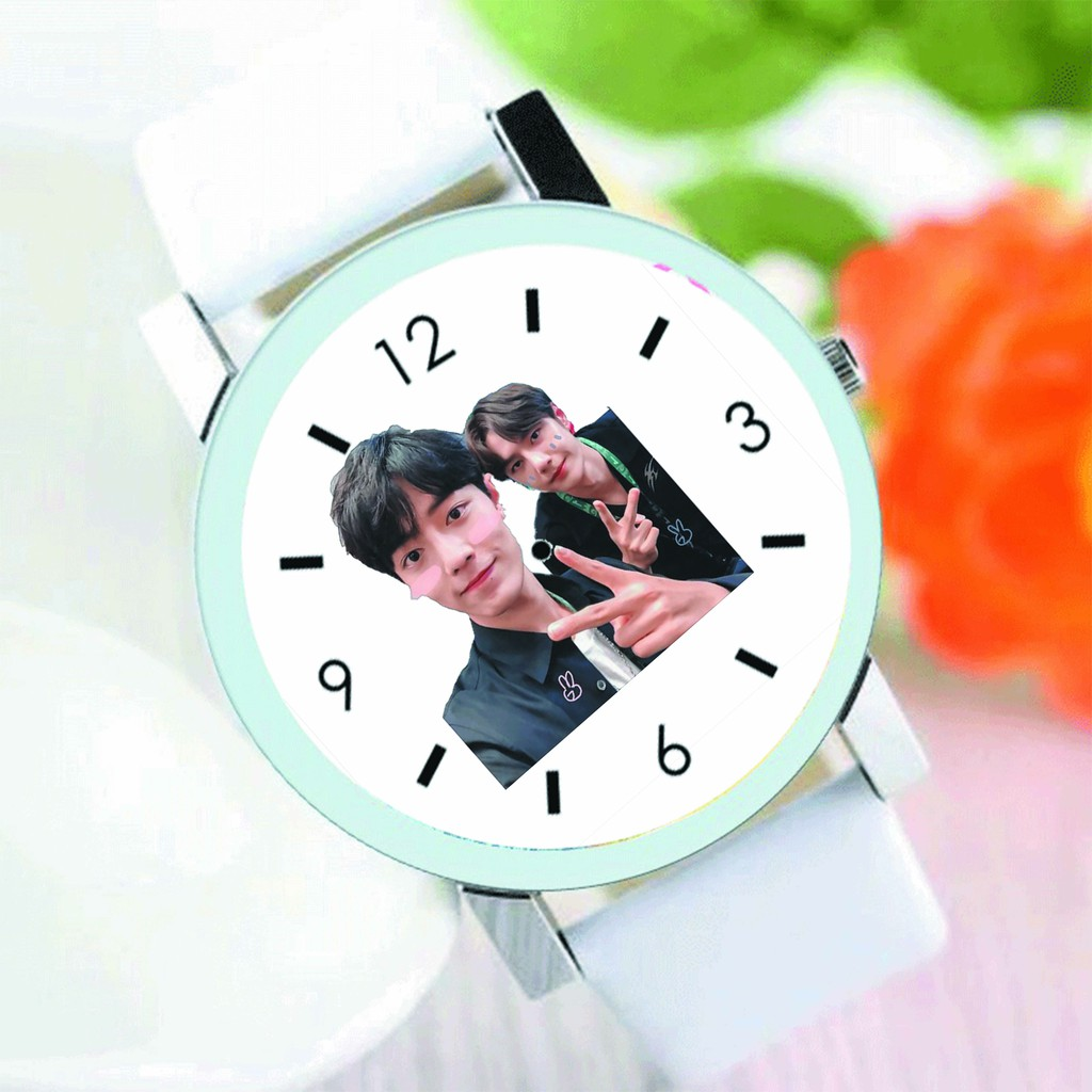Đồng hồ đeo tay nam nữ in hình Tiêu Chiến Vương Nhất Bác tiện lợi thời trang