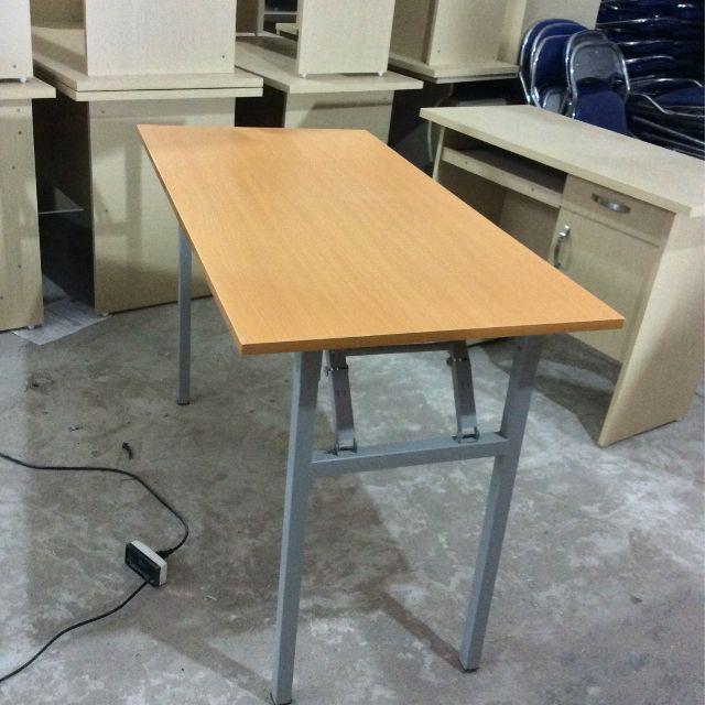 Bàn làm việc, Bàn gấp gọn thông minh F01 phù hợp với mọi không gian văn phòng
