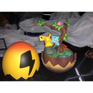 Thú nhựa trứng ếch và chuột vàng chất liệu resin