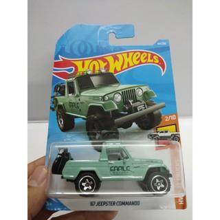 Xe Mô Hình Chính Hãng HotWheels – 67 Jeepster Commando