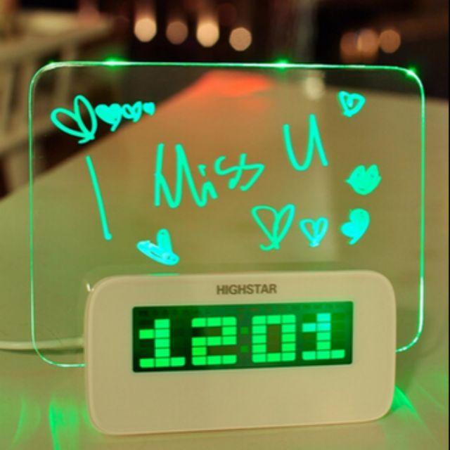 Đồng hồ để bàn + kèm bảng phát quang độc đáo