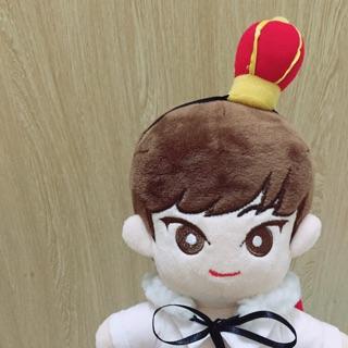 Outfit doll vương miện và áo choàng trong Minhyun doll