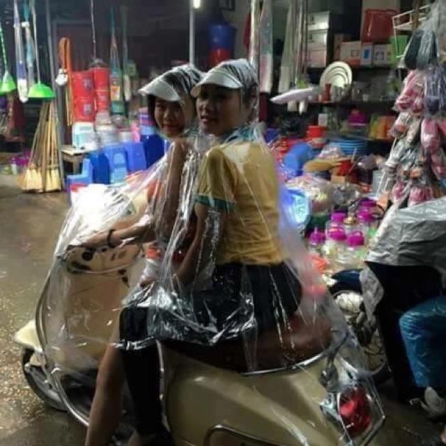 Áo mưa nhựa dẻo trong suốt 2 đầu Có khẩu trang - 2414063 , 1047067 , 322_1047067 , 80000 , Ao-mua-nhua-deo-trong-suot-2-dau-Co-khau-trang-322_1047067 , shopee.vn , Áo mưa nhựa dẻo trong suốt 2 đầu Có khẩu trang