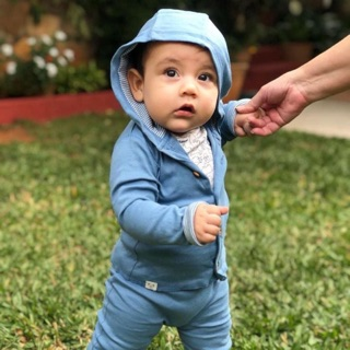 Set áo khoác kèm quần gấu cho bé hàng Mỹ xách tay chỉ cắt tag, mới thanh lý 250k hàng cao cấp thun co dãn 0-3 months