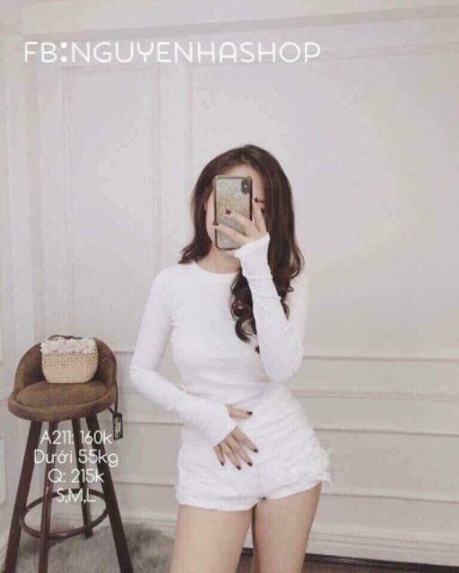 Áo thun lụa cổ trong xỏ ngón màu trắng
