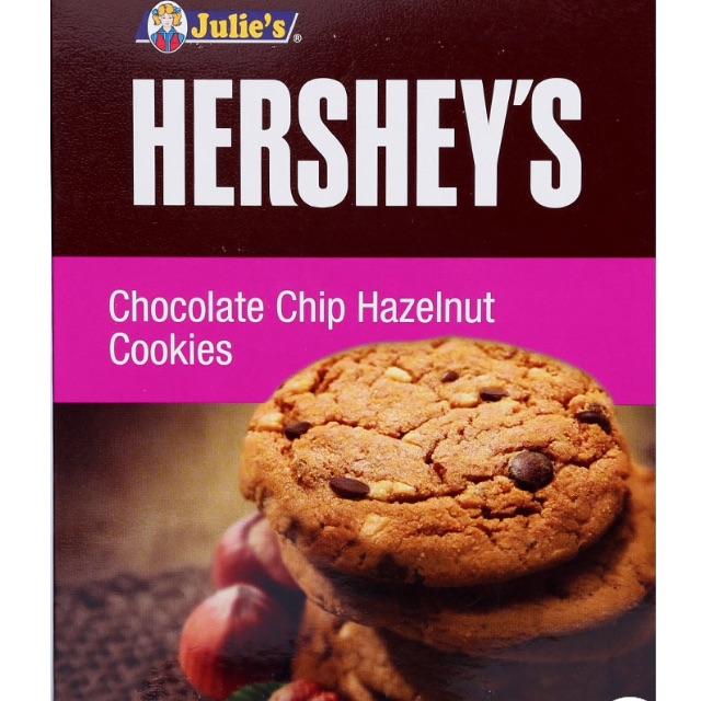 Bánh sô cô la chip hạt phỉ Julie's Hershey's 135g - 2558765 , 1037326910 , 322_1037326910 , 70000 , Banh-so-co-la-chip-hat-phi-Julies-Hersheys-135g-322_1037326910 , shopee.vn , Bánh sô cô la chip hạt phỉ Julie's Hershey's 135g
