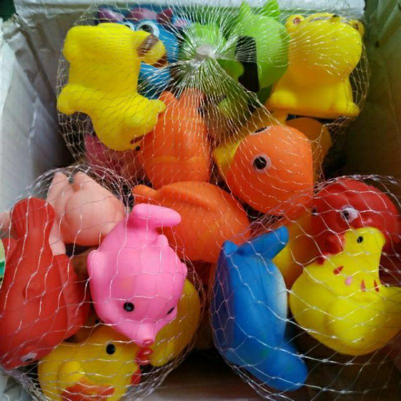 Combo 8 con thú đồ chơi chút chít túi lưới(đồ chơi nhà tắm)