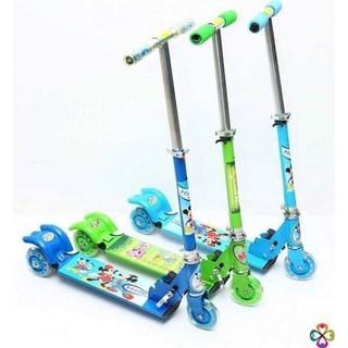 Xe trượt scoter mùa hè giúp cho các bé
