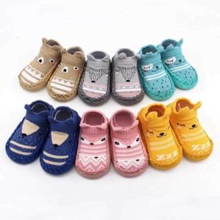 Giày, vớ tập đi có chống trượt cho bé ( có video quay