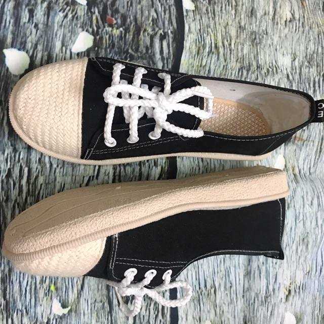 Lùi 1 size  Giày lười nữ vải đen có dây buộc, slip on nữ G981D