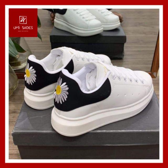 [ẢNH THẬT + FULL BOX] Giày thể thao Queen gót nhung đen đôi nam nữ hoa cúc bản dây to da mềm đế cao 4cm đơn giả
