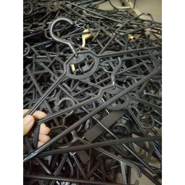 Mắc nhựa đen