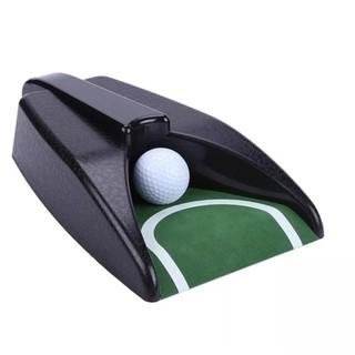 Thiết Bị Tập Putt Golf Tự Động Trả Bóng thumbnail