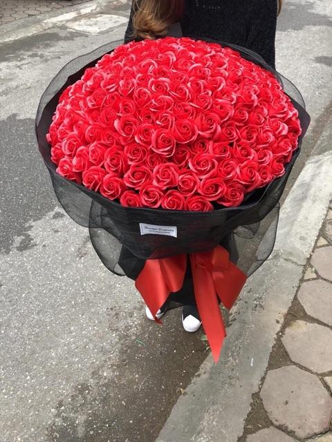 Bó hồng sáp 50 bông có sẵn