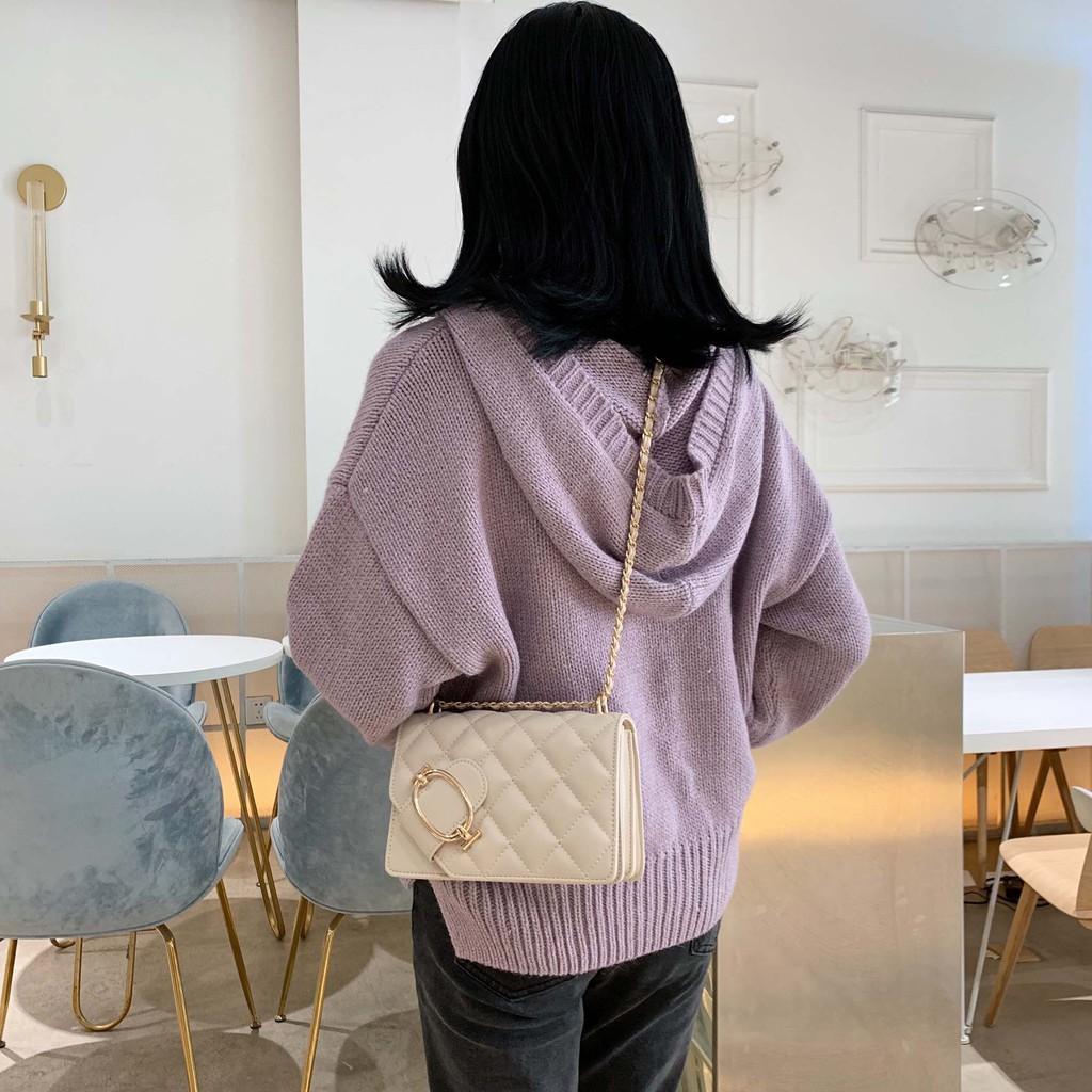 [Mã SKAMPUSH7 giảm 10% tối đa 100K đơn 150K] Túi nữ đeo chéo trần trám nắp khuy cài cách điệu - C23